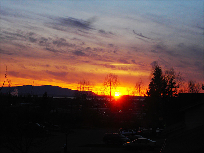 Bellingham sunset behind Lummi Island March 4 (Photo: YouNews contributor MEL0DY)